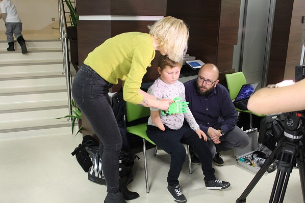 """Fundacja Otwarte Ramiona, Projekt """"Pomocna dłoń 3D"""""""